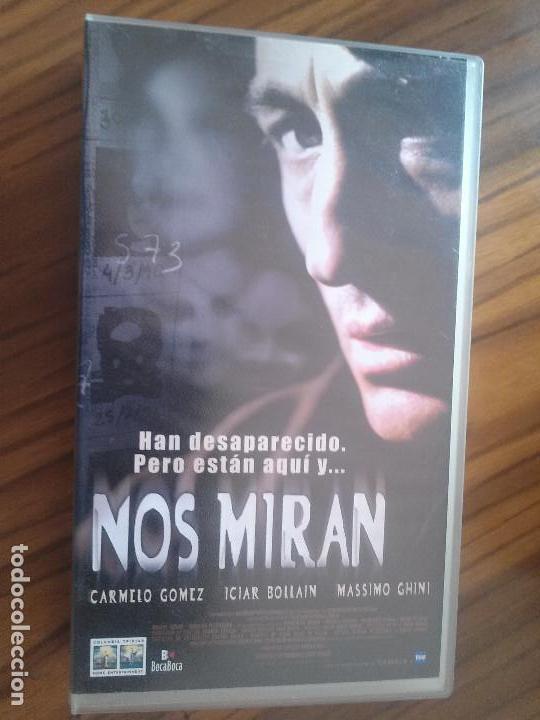 NOS MIRAN CARMELO GOMEZ. ICIAR BOLLAIN. BUEN ESTADO. NO TESTADA. (Cine - Películas - VHS)