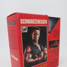 Cine: ARNOLD SCHWARZENEGGER. ESTUCHE CON COMANDO, DEPREDADOR Y Y CONAN EL BÁRBARO. VHS, 1992 . Lote 83892556