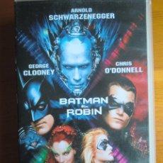 Cine: VHS BATMAN & ROBIN (1997) DE JOEL SCHUMACHER. CON GEORGE CLOONEY Y ARNOLD SCHWARZENEGGER. COMO NUEVA. Lote 100464099