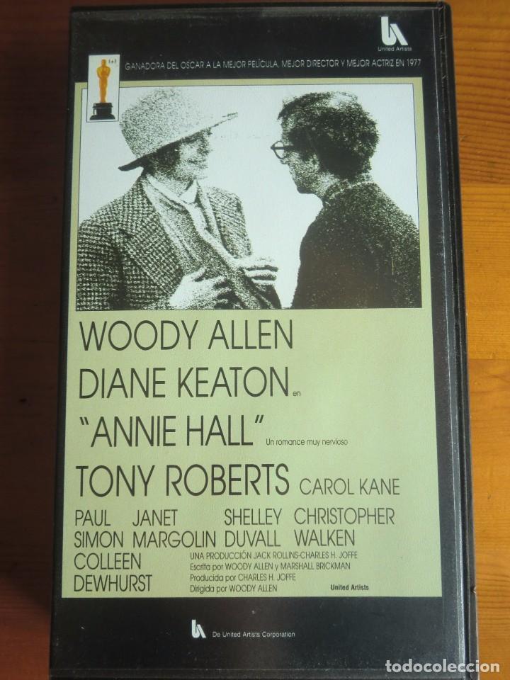 VHS ANNIE HALL (1977) DE WOODY ALLEN. CON DIANE KEATON. NUEVA (Cine - Películas - VHS)