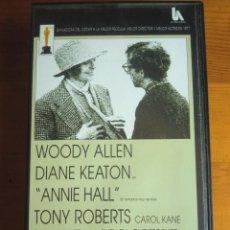 Cine: VHS ANNIE HALL (1977) DE WOODY ALLEN. CON DIANE KEATON. NUEVA. Lote 100625223