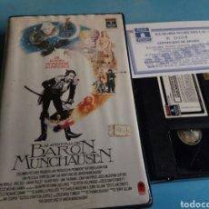 Cinema: VHS- LAS AVENTURAS DEL BARÓN DE MUNCHAUSEN,CON CERTIFICADO DE ORIGEN, 1 EDICIÓN ORIGINAL VIDEOCLUB. Lote 115769758