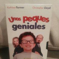 Cine: UNOS PEQUES GENIALES - VHS. Lote 122315038