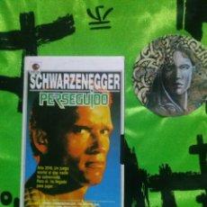 Cine: PERSEGUIDO - ARNOLD SCHWARZENEGGER - VHS - INTERVIU.. Lote 130135791