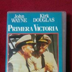 Cine: PRIMERA VICTORIA - JOHN WAYNE Y KIRK DOUGLAS. Lote 134188691