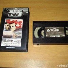 Cine: UN PASEO BAJO EL SOL (DANA ANDREWS). PELÍCULA VHS. COLECCIÓN CINE BÉLICO.. Lote 147217254