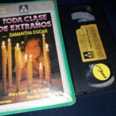 Cine: TODA CLASE DE EXTRAÑOS- VHS- 1 EDICION. Lote 158713814