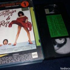 Cine: LA MUJER DE ROJO- VHS- 1 EDICION. Lote 162349784