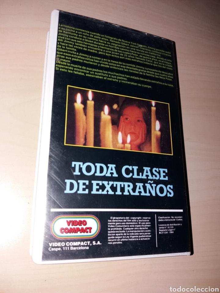 Cine: VHS TODA CLASE DE EXTRAÑOS - Foto 2 - 164869954