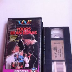 Cine: VHS. TODOS ERAN ESPÍAS. VIDEOCLUB. CAJA GRANDE. Lote 166009028