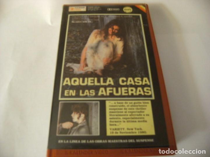 AQUELLA CASA EN LAS AFUERAS - EUGENIO MARTÍN - VHS (Cine - Películas - VHS)