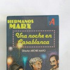 Cine: UNA NOCHE EN CASABLANCA HERMANOS MARX VHS. Lote 168495086