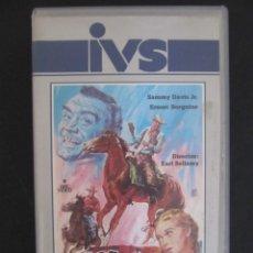 Cine: LOS RASTREADORES PRIMERA EDICION IVS EN VHS CAJA GRANDE CARATULA MONTALBAN ERNEST BORGNINE. Lote 168748988