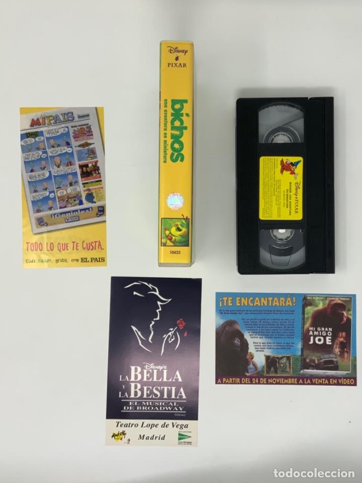 Cine: WALT DISNEY PIXAR BICHOS UNA AVENTURA EN MINIATURA VHS - Foto 2 - 181073073