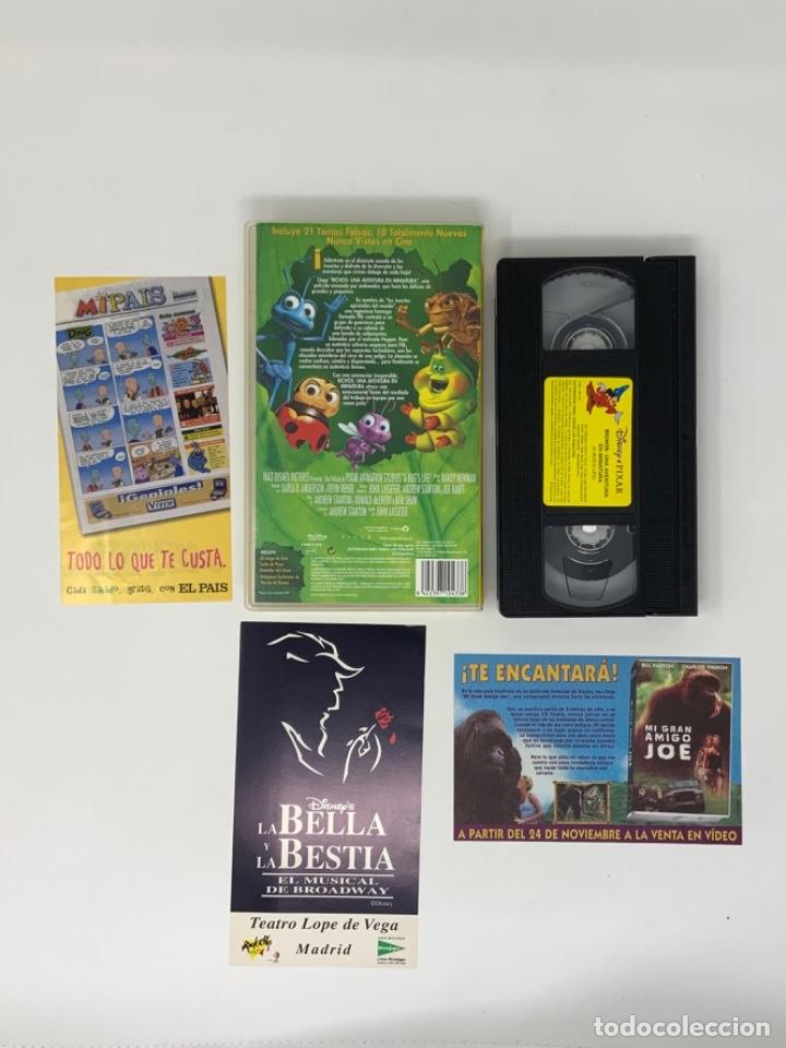 Cine: WALT DISNEY PIXAR BICHOS UNA AVENTURA EN MINIATURA VHS - Foto 3 - 181073073