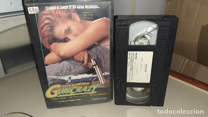 VHS GUN CRAZY - DREW BARRYMORE - MICHAEL IRONSIDE (Cine - Películas - VHS)