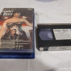 Cine: VHS ORIGINAL / SAMMY Y ROSIE SE LO MONTAN. Lote 182877270