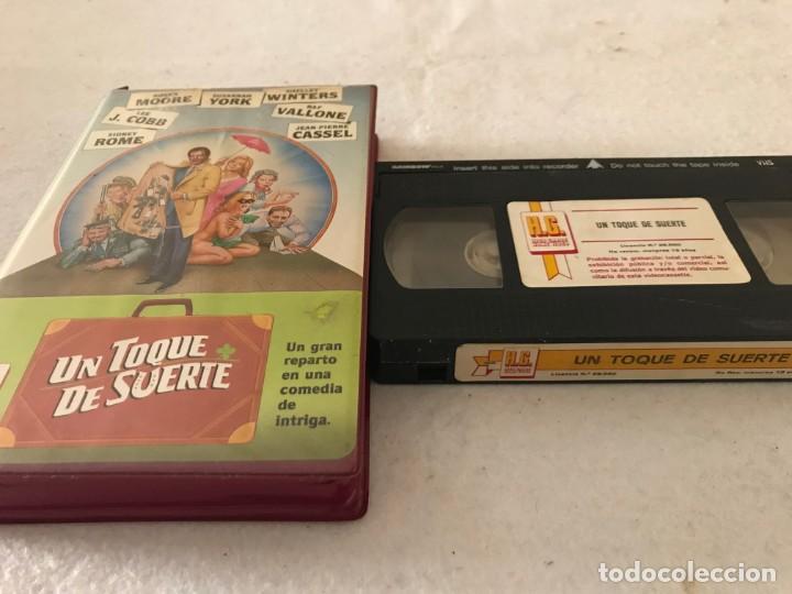 VHS ORIGINAL / UN TOQUE DE SUERTE (Cine - Películas - VHS)