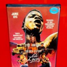 Cine: LOS DIOSES DEBEN ESTAR LOCOS (1980) - 1ª EDICIÓN. Lote 197936531
