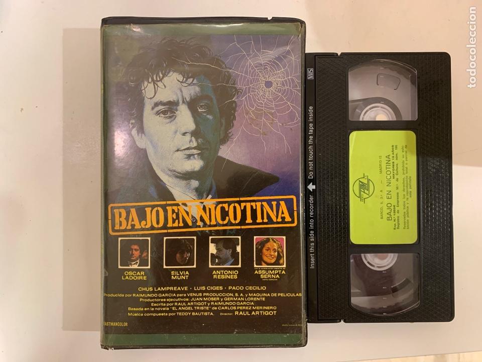 BAJO EN NICOTINA VHS DIRECTOR RAUL ARTIGOT (Cine - Películas - VHS)