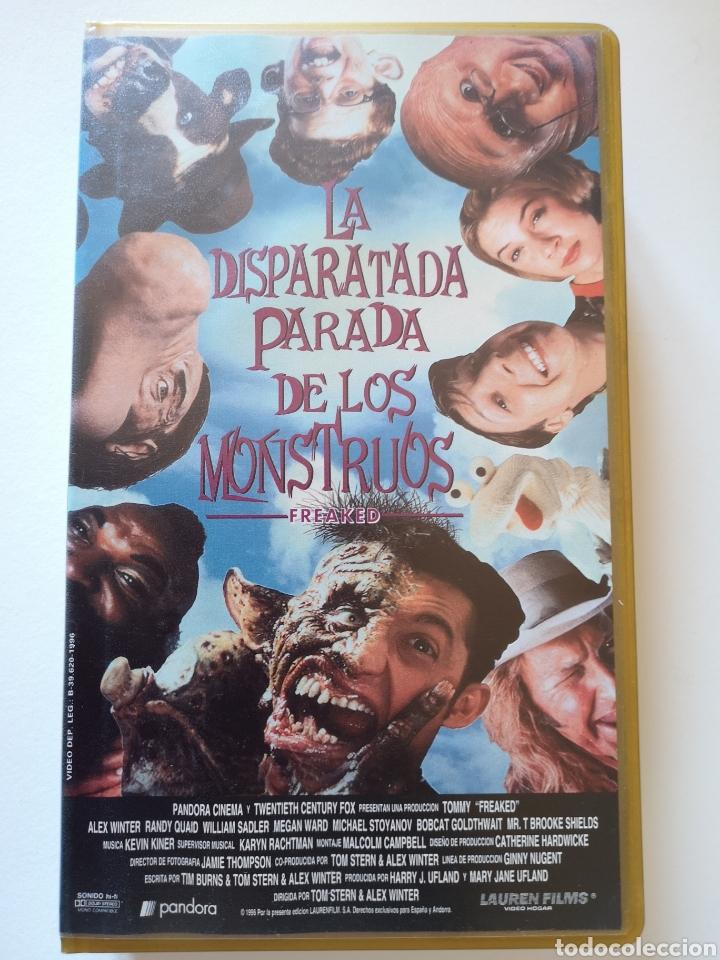 LA DISPARATADA PARADA DE LOS MONSTRUOS VHS (Cine - Películas - VHS)