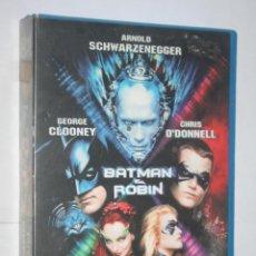 Cine: BATMAN & ROBIN (GEORGE CLOONEY, ARNOLD SCHWARZENEGGER, UMA THURMAN) * VHS CINE SUPERHEROE *. Lote 222572900
