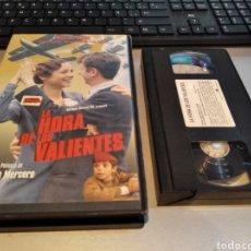 Cine: LA HORA DE LOS VALIENTES. GABINO DIEGO . DE ANTONIO MERCERO. - VHS. Lote 236773325