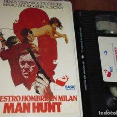 Cine: NUESTRO HOMBRE EN MILAN / MAN HUNT - HENRY SILVA , MARIO ADORF , SYLVA KOSCINA - POLIZIESCO - VHS. Lote 236773555