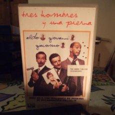 Cine: TRES HOMBRES Y UNA PIERNA - MASSIMO VENIER - ALDO , GIOVANNI , GIACOMO - AURUM 1999. Lote 245891125