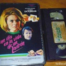 Cine: UN DIA EN LA VIDA DE UN LADRON - ANGIE DICKINSON, CAMERON MITCHELL - SUSPENSE - VHS. Lote 254485470