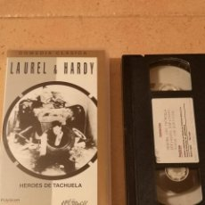 Cine: VHS PELICULA VIDEO LAUREL HARDY HEROES DE TACHUELA. Lote 255366405