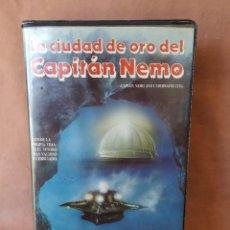 Cine: VHS - LA CIUDAD DE ORO DEL CAPITAN NEMO - ROBERT RYAN, CHUCK CONNORS, LUCIANA PALUZZI. Lote 260513225