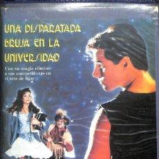 Cinema: VHS UNA DISPARATADA BRUJA EN LA UNIVERSIDAD. Lote 262106550
