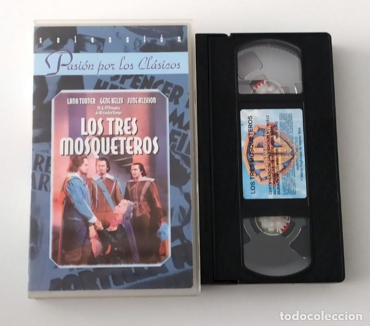 PELICULA VHS LOS TRES MOSQUETEROS - COLECCION PASIÓN POR LOS CLASICOS (Cine - Películas - VHS)