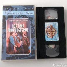 Cine: PELICULA VHS LOS TRES MOSQUETEROS - COLECCION PASIÓN POR LOS CLASICOS. Lote 269341893