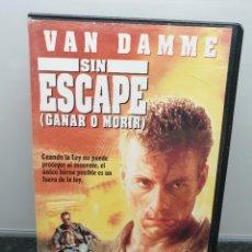 Cine: SIN ESCAPE (GANAR O MORIR). VHS. JEAN-CLAUDE VAN DAMME, ROSANNA ARQUETTE, KIERAN CULKIN.. Lote 269985098
