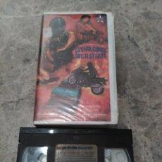 Cine: VHS-.GIALLO. LOS HALCONES DEL ASFALTO (TORSO). Lote 271794533