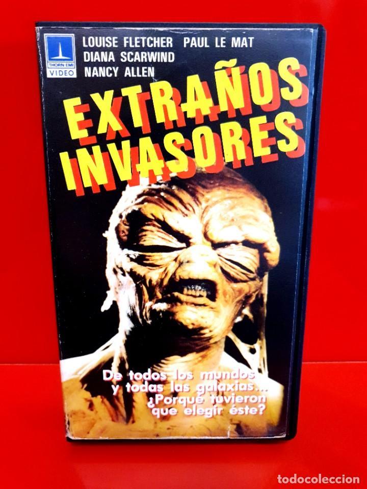 EXTRAÑOS INVASORES -(1983) (SOLO CARÁTULA Y ESTUCHE) (Cine - Películas - VHS)