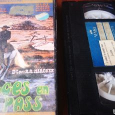 Cine: DOS CRUCES EN DANGER PASS - VHS. Lote 275684763
