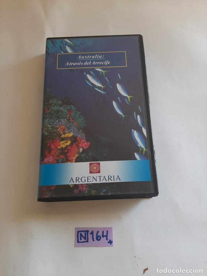 A TRAVÉS DEL ARRECIFE (Cine - Películas - VHS)