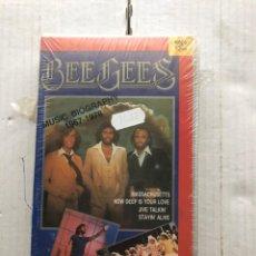 Cine: BEE GEES MUSIC BIOGRAPHY 1967 1978 100X100 VIDEO MUSICAL VHS NUEVO KREATEN PRECINTADO BEEGEES. Lote 297090978