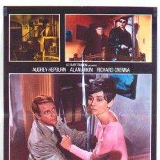 Cine: T04886 SOLA EN LA OSCURIDAD AUDREY HEPBURN POSTER ORIGINAL ITALIANO 68X94 A. Lote 6246522