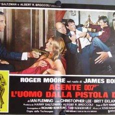 Cine: RD20D EL HOMBRE DE LA PISTOLA DE ORO JAMES BOND 007 ROGER MOORE POSTER ORIGINAL ITALIANO 47X68. Lote 10855705
