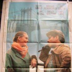 Cine: AL OTRO LADO DE BROOKLYN CON MARGAUX HEMINGWAY Y ELLIOT GOULD. Lote 12288599