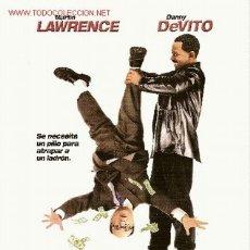 Cine: '¿QUÉ MÁS ME PUEDE PASAR?', CON MARTIN LAWRENCE Y DANNY DEVITO. TAMAÑO FOLIO.. Lote 2314278