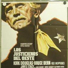 Cine: GU90 LOS JUSTICIEROS DEL OESTE KIRK DOUGLAS MAC POSTER ORIGINAL 70X100 ESTRENO. Lote 11991683