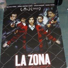 Cine: POSTER PELICULA *LA ZONA* - MARIBEL VERDÚ, CARLOS BARDEM - 50X70 CM. Lote 15602787