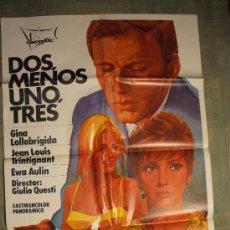 Cine: CARTEL DE CINE ORIGINAL: DOS, MENOS 1, TRES. AÑOS 70. TAMAÑO 70 X 100. Lote 192835916