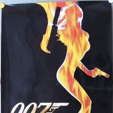 Cine: E353 EL MUNDO NUNCA ES SUFICIENTE JAMES BOND 007 PIERCE BROSNAN POSTER ORIGINAL HOLANDES 70X100. Lote 16892720