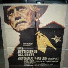 Cine: LOS JUSTICIEROS DEL OESTE KIRK DOUGLAS MAC POSTER ORIGINAL 70X100 ESTRENO. Lote 22909379